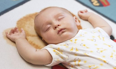 Что нужно знать о детских позах во сне