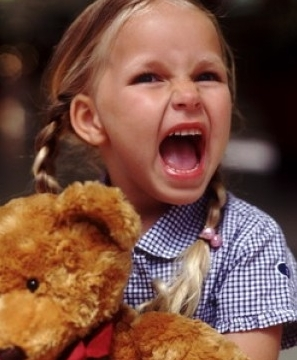 Как бороться с детской истерикой?