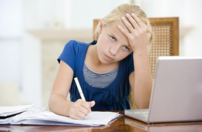Как приучить ребенка делать уроки?