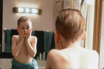 Как научить ребенка оставаться дома одному?