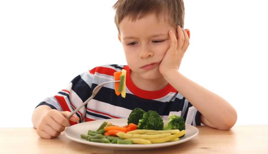 Стоит ли заставлять ребенка есть против его воли?