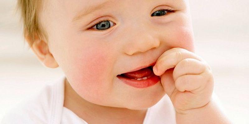 Режутся зубы: чего ждать, и как помочь ребенку?