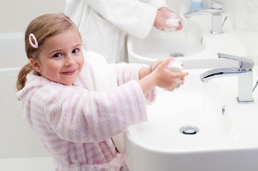 Приучение к чистоте и уходу за собой