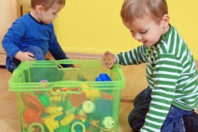 Как приучить ребёнка убирать свои игрушки