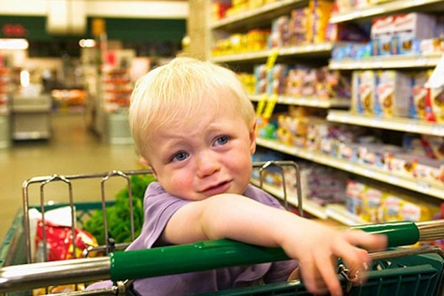 Причины детских капризов в магазине
